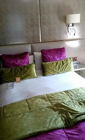 Radisson Blu Edwardian Mercer Street Hotel: Room 711