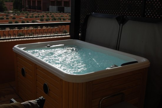 Jacuzzi on balcony picture of tui sensimar medina for Balcony hot tub