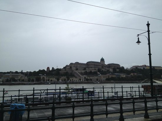 Next City Tours Budapest: The castle (in Pest) seen from the city (Buda)