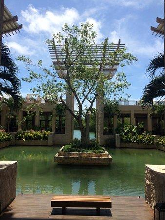 Banyan Tree Mayakoba: Hotel Lobby and Beach Boat launch