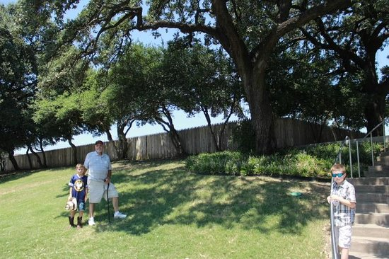 Dealey Plaza National Historic Landmark District: The Grassy Knoll