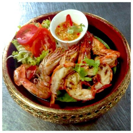 Sabai Ba Bar: Such a nice Tiger prawn Grill with garlic pepper Here and Spesial menu Sea Food Recomment...para