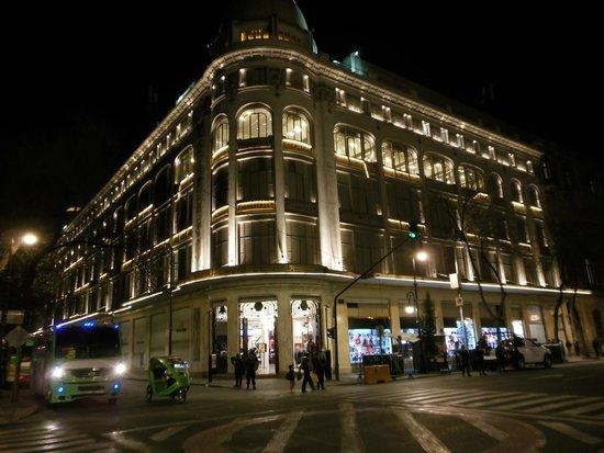 Hampton Inn & Suites Mexico City - Centro Historico: hotel de nuit