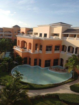 Iberostar Rose Hall Suites: hotel grounds