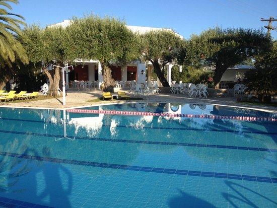 Paradise Hotel Corfu: Pool View 2