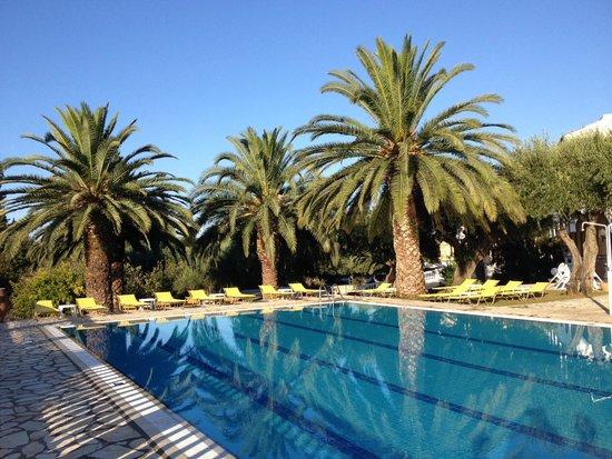 Paradise Hotel Corfu: Pool View 3
