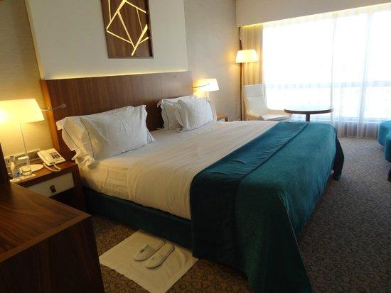 EPIC SANA Lisboa Hotel: Cama King Size comodisima