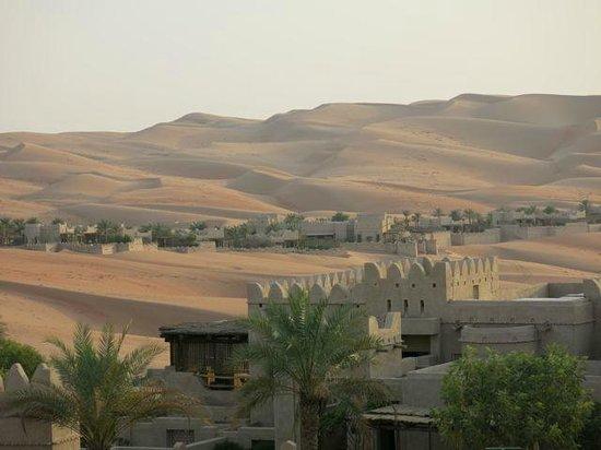 Qasr Al Sarab Desert Resort by Anantara: hotel and dunes