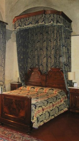 Hotel Loggiato dei Serviti: Il letto
