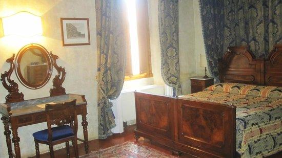 Hotel Loggiato dei Serviti: La camera