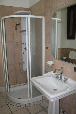 Hotel Villa Torre Antica: il bagno