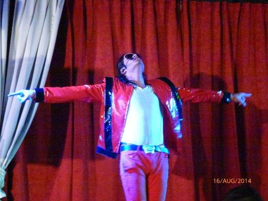 Gran Oasis Resort: Michael Jackson tribute