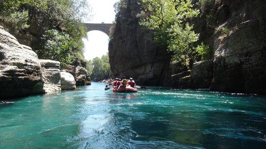 Fortune Rafting : Roma koprusu