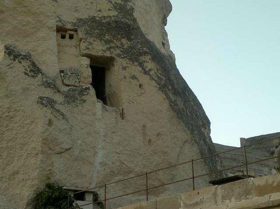 Dervish Cave House : ventana de la habitación cueva