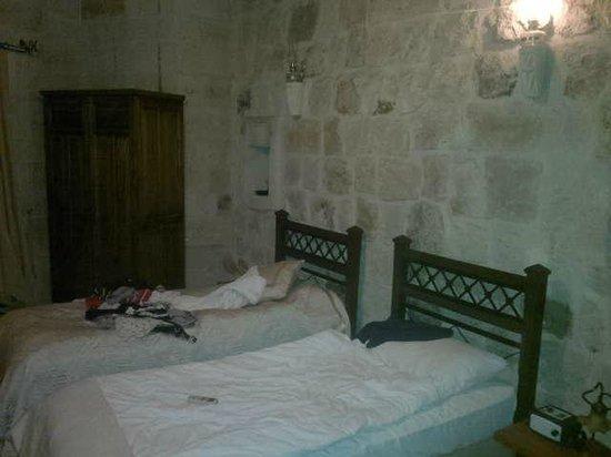 Dervish Cave House : Dentro de la habitación