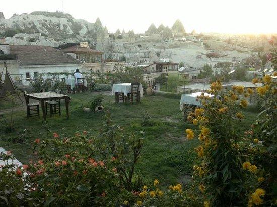Dervish Cave House: vista desde el área recreativa común