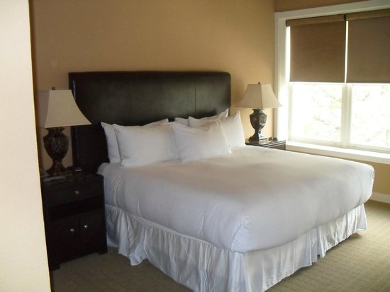 The Clarke Hotel: Luxurious imported linens, comfortable large king bed