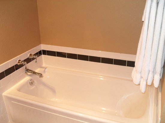 The Clarke Hotel: Kohler jetted tub