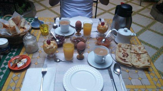 Riad Aicha: Desayuno