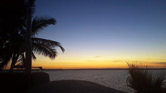 Casa Kootenay Bed and Breakfast: Sunset from Casa Kootenay's rooftop paradiso