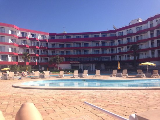 Hotel da Aldeia: Hotel poolside balconiesa and pool