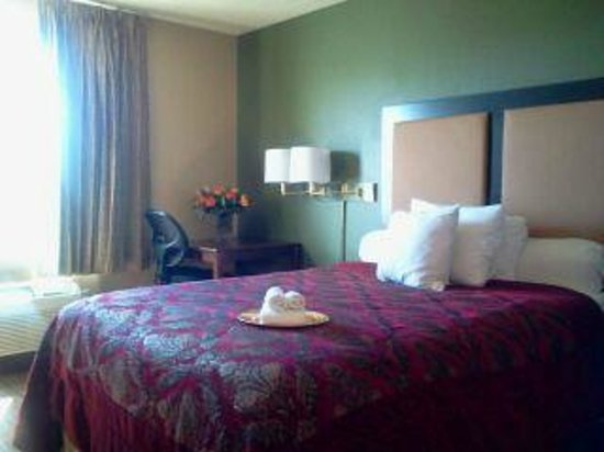 Extended Stay America - Phoenix - Peoria: Peoria Extended Stay Room