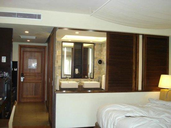 Sofitel Mauritius L'Imperial Resort & Spa : room from balcony