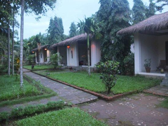 Golden Sunrise Hotel: Bungalows