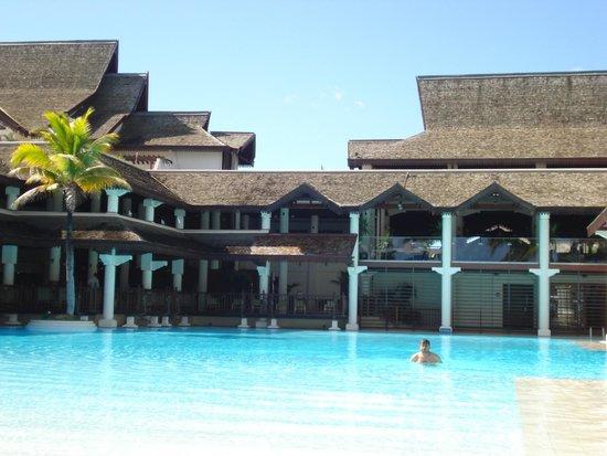 Sofitel Mauritius L'Imperial Resort & Spa: pool area