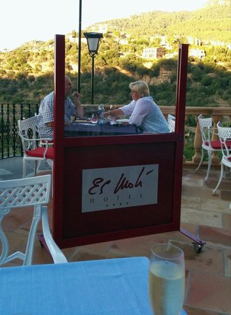 Es Moli Hotel: Tapas can be had on the lovely balcony area where breakfast is served. I'm not sure why the bull
