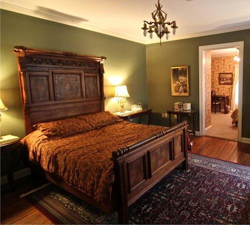 Montgomery Inn: Victorian