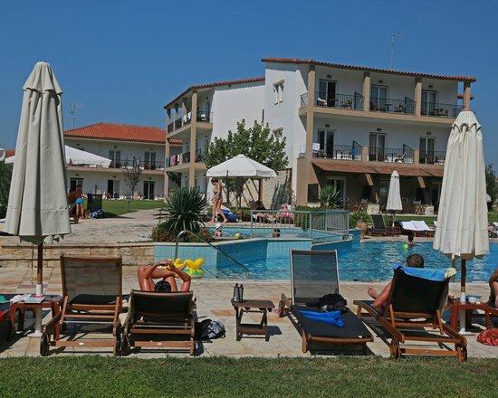 Nostos Hotel: Pool