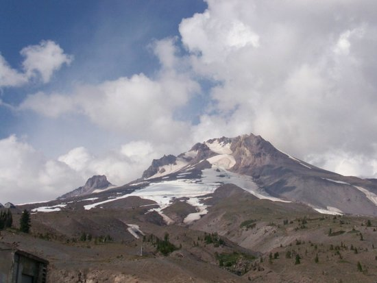 Hood River, Oregón: View of Mount Hood from Timberline Lodge Parking Lot