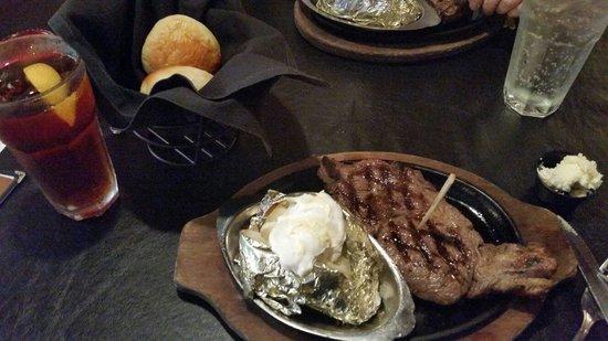 Alamo Steakhouse & Saloon: Deputy ribeye