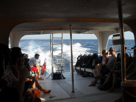 Aqua Scuba Belize: Waiting to arrive at first stop