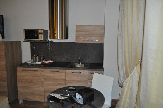 Navona Luxury Apartments: cocina