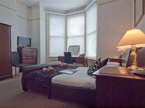 No. 17 West Street: Room 1 ground floor double