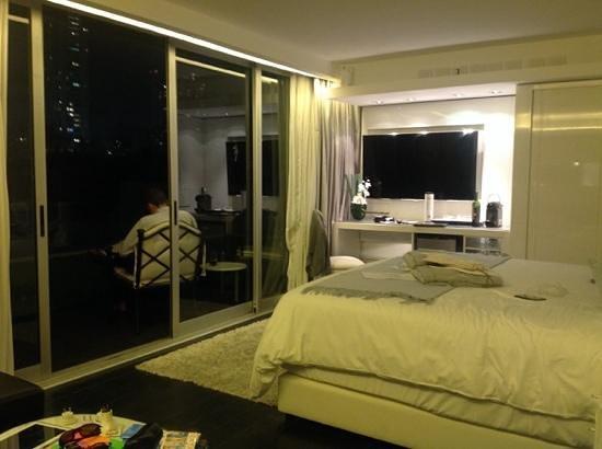 1828 Smart Hotel: Top floor suite