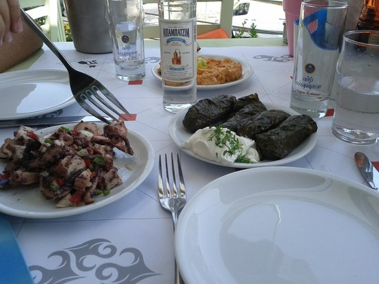 Psarakia & Thalassina: Hot red pepper+Cheese, Stuffed wine leaves with Rice,Octopus... *****
