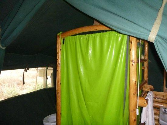 Kibo Safari Camp: Shower