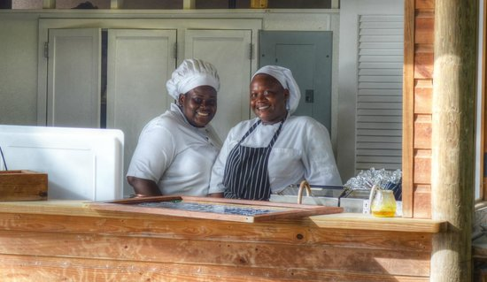 Galley Bay Resort: the cooks at barefoot grill