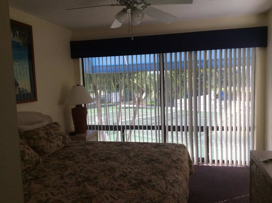 Gulf Tides of Longboat Key: Master bedroom