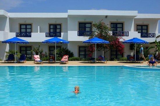 Mitsis Ramira Beach Hotel : vu de la deuxieme piscine