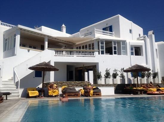 Rochari Hotel: poolside