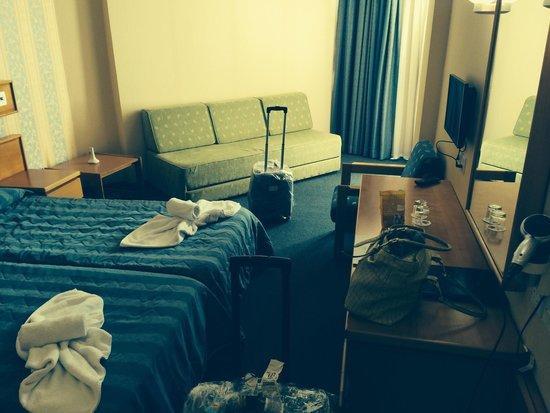 Avlida Hotel: Our room