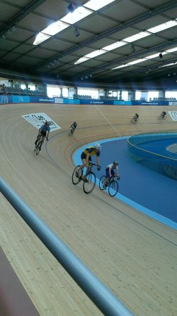 Lee Valley VeloPark: struggling to get to the top of the banking.......