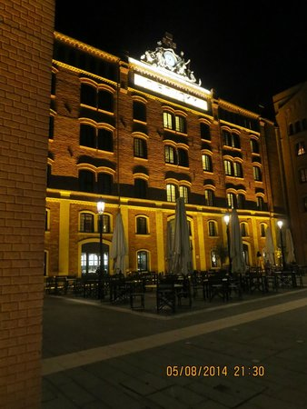 Hilton Molino Stucky Venice Hotel: Hotel facade