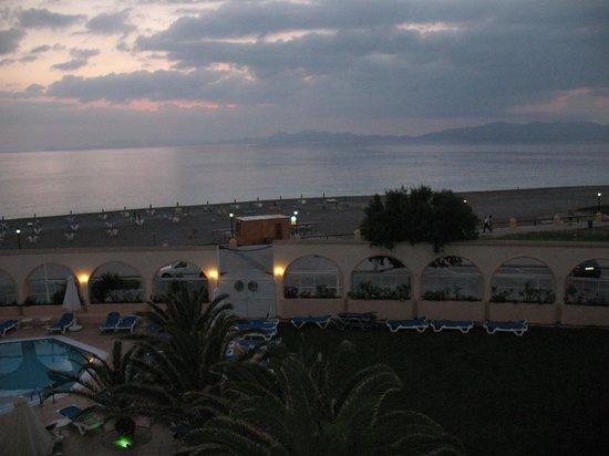 Cactus Hotel: Utsikt från balkongen