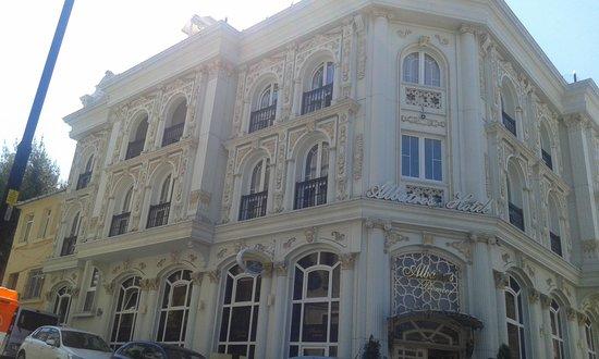Albatros Premier Hotel: façade