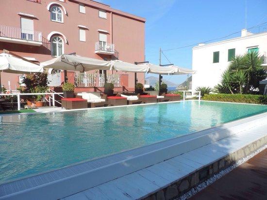Hotel Palatium Mari: Piscine eau salée